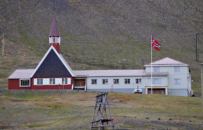 iglesia svalbard